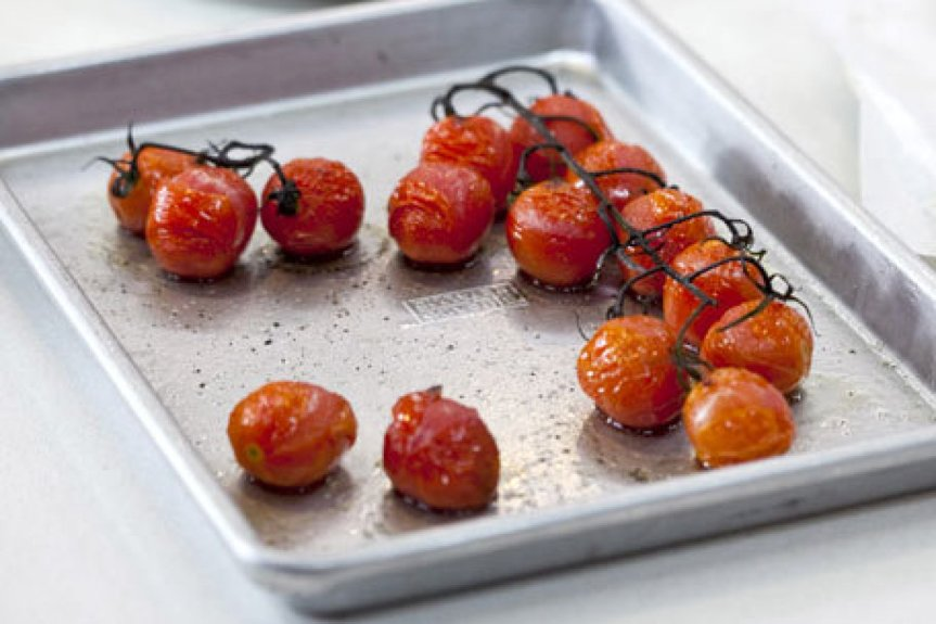 Cherry-tomato-on-the-vine
