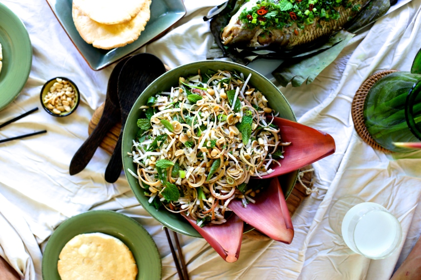 https-_formysenses-com_2015_04_02_banana-flower-jicama-and-coconut-salad-with-fish-baked-in-banana-leaves-for-my-senses